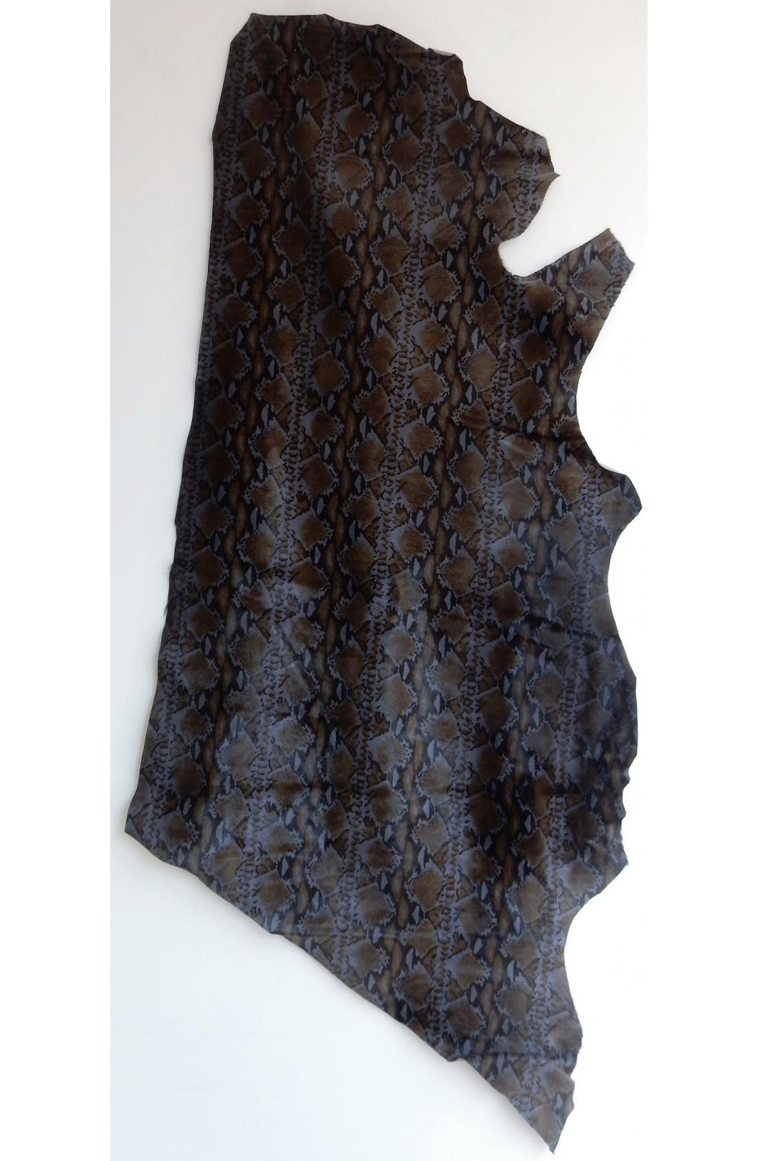 art. 62 VITELLO PELO var.12 grigio polvere stampa tigrata (1)