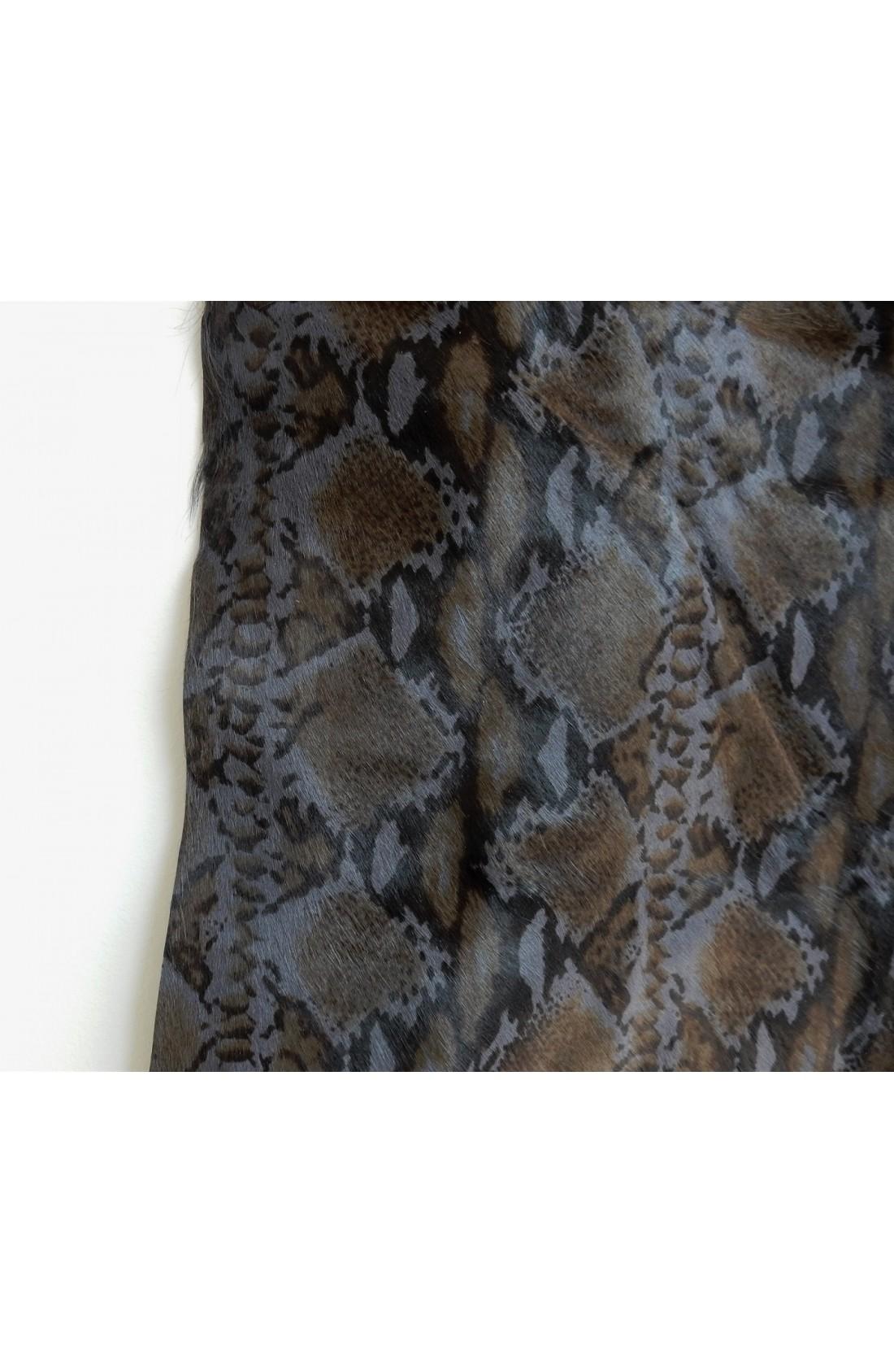 art. 62 VITELLO PELO var.12 grigio polvere stampa tigrata (2)