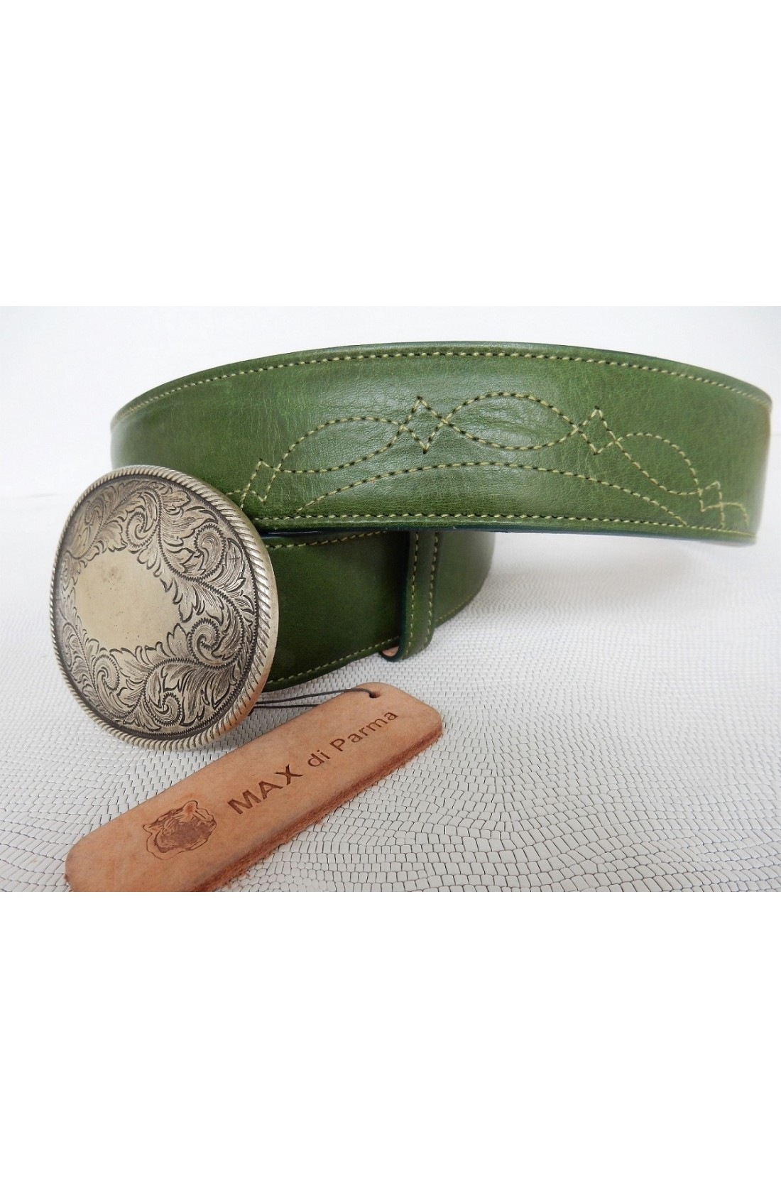 CINTURA SPECIALE art.492 KANSAS su spalle toro mm.40 var.62 verde avocado +cuciture verde in tinta ricamo (3)